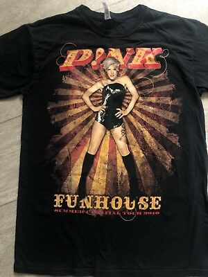 Pink funhouse summer carnival tour tshirt size small