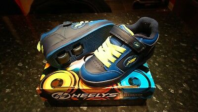 Boys Heelys Size 13 only worn in house, very good condition