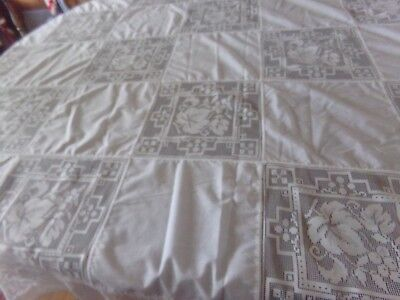 """BEAUTIFUL VINTAGE LINEN and LACE TABLECLOTH 82""""x60"""""""