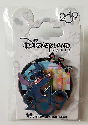 Pins Disneyland Paris STITCH SMALL WORLD 2019  Pin's