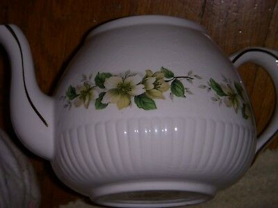 Ellgreave- English  Ironstone Teapot With Lid