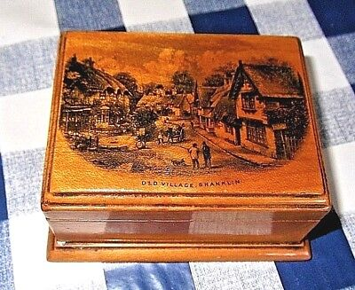 MAUCHLINE WARE Old Village Shanklin [Isle of Wight] WOODEN TRINKET BOX