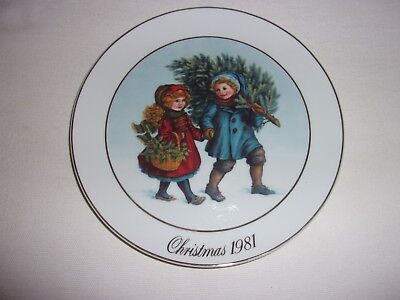 Christmas 1981 Avon Collectable Plate Collector 1st Edition Memories Sharing 22k