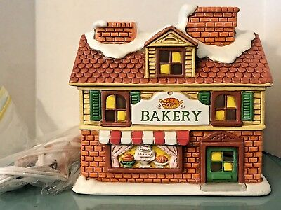 Lefton Colonial Village Lighted Bakery 1988, Christmas Holiday Store #06898