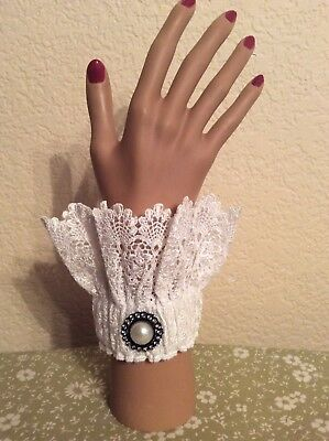 Victorian Romantic White Lace Removal Cuffs Gothic New Item #112118