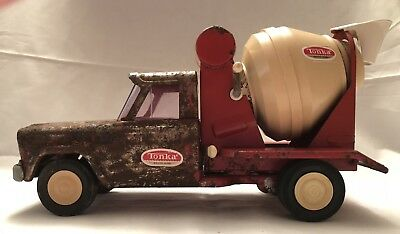 1960's Vintage Red Metal Tonka Cement Mixer Mound, Minn with Working Parts