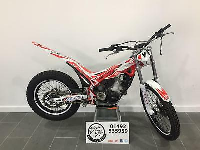 2017 Beta EVO 125, Extremely Clean Example, Fork Guards, Trails, Trials 125cc
