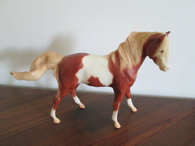 Breyer Reeves Collectible Model Horse Brown & White Pinto