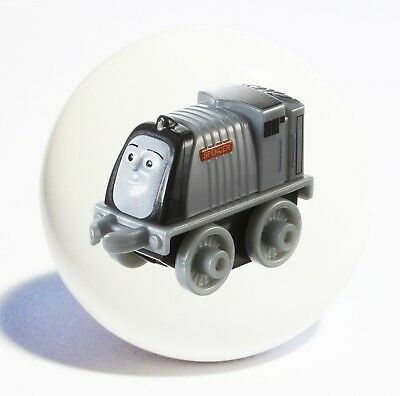 THOMAS TRAIN HOME DECOR CERAMIC KITCHEN  KNOB DRAWER CABINET PULL