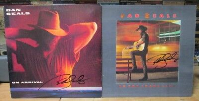 Dan Seals Autographed Lot Of 2 Lp On The Frontline 86 On Arrival 90 & Crofts