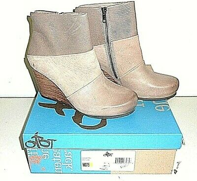 921fc0774f6 OTBT WOMENS DHARMA Wedge Ankle Boots Size 7.5M Brown -  59.99