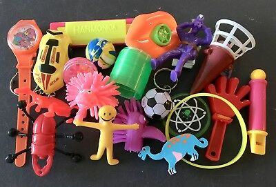 Christmas Cracker Toys.20 Christmas Cracker Toys Prizes Party Bag Fillers Small Home Made Crackers