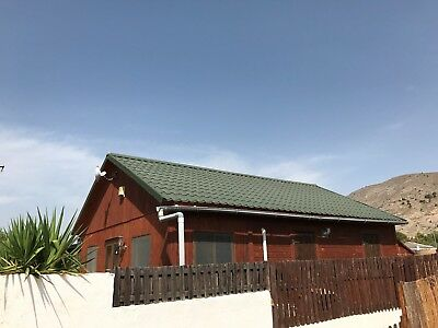 Wooden Cabin 2 bedroomed, private garden For Yearly Rent Spain