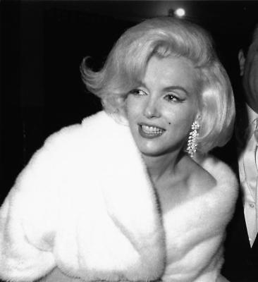 Marilyn Monroe 8x10 Picture Simply Stunning Photo Gorgeous Celebrity #45