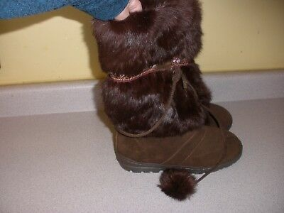 Minnetonka Boots 8556 BROWN Suede Leather with Rabbit Fur Trim SIZE 7