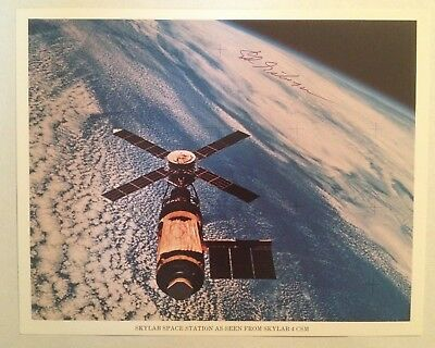 Astronaut Edward Gibson Signed Official NASA Skylab 4 On-Board Photograph