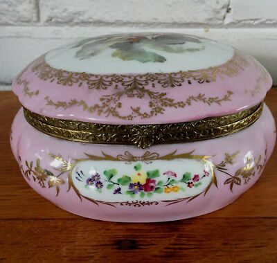 ANTIQUE VTG  Hand Painted Porcelain Dresser or Trinket Box with Cherubs 7.5X6.5
