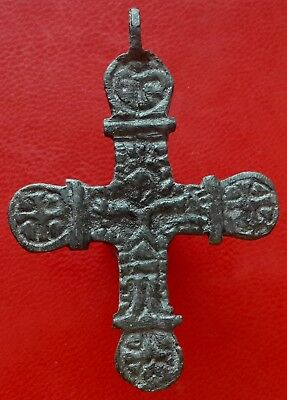 Extremely rare Ancient Viking age Kievan Rus bronze cross pendant of 8-10 ct AD