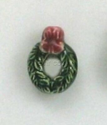 Christmas Wreath Ceramic Beads, 13mm, Choice of Lot Size & Price, Hand Painted