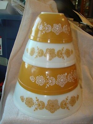 PYREX BOWLS  Set of 4  GOLD and WHITE  BUTTERFLY   401  402  403  404
