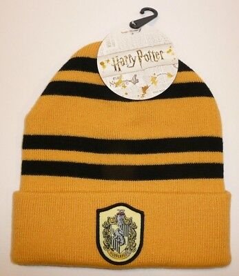 8232efbce808a Hufflepuff - Harry Potter Beanie Hat Winter Warm Cosplay House Patch Badger  Cuff