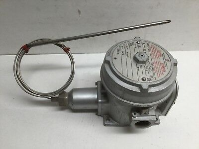 United Electric Controls Model 13273 Type E121 Temperature Switch Range 25-325F