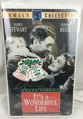 """""""Its a Wonderful Life"""" (VHS 1947) James Stewart Clamshell - Christmas Classic"""