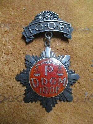 Antique Sterling Silver Odd Fellows fraternal pin medal with enameling. 18g