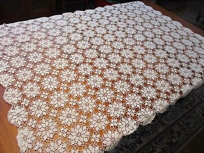 Crocheted Lace Floral Tablecloth Vintage 1950s White Table Setting Flower 46x65