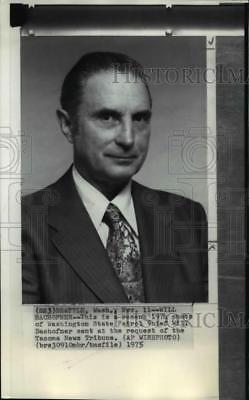 1975 Wire Photo Will Bachofner is Washington State Patrol Chief. - spw01262