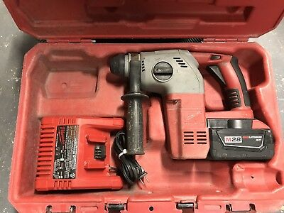 """Milwaukee M28 Cordless 1"""" Rotary Hammer Drill (With Charger and Battery)"""