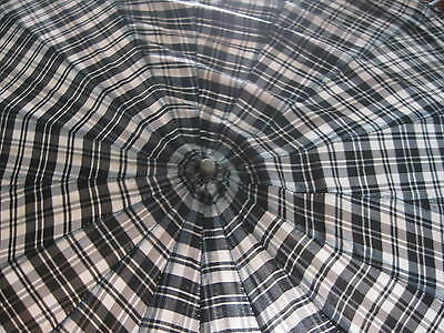 VINTAGE BLACK & WHITE plaid w/ pale yellow LUCITE hooked handle HOOK HANDLE