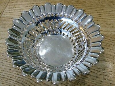 hm1897 ANTIQUE SOLID ENGLISH SILVER VICTORIAN PIERCED BASKET DISH H. ATKIN 56G
