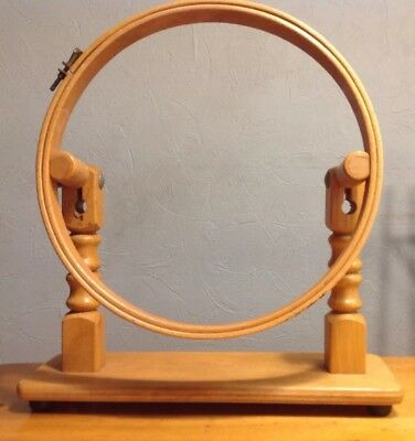 "VINTAGE TABLE STAND 10"" / 25 cm WOODEN EMBROIDERY HOOP"