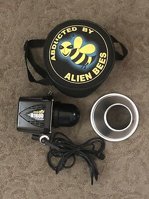 Paul C. Buff Alien Bees B1600 640ws studio strobe With Reflector And Bag