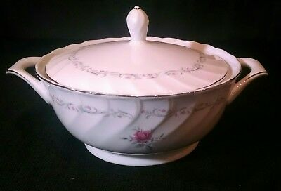 Royal Swirl Fine China of Japan Covered Casserole Vegetable Dish Lid Handles