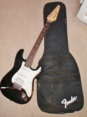 FENDER STRATOCASTER STARCASTER Electric Guitar & Case Black White Used EUC