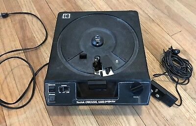 Kodak carousel slide projector 4400 with remote  WORKING And In Great Shape