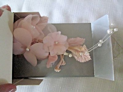 Avon Vintage**Fabric Blossom Hair Comb**Peach**New In Box** Old Stock 1989