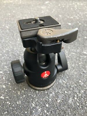 Manfrotto 488RC2 Ball Head with 200PL Quick Release camera plate.