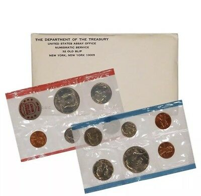 1972 P & D US Mint Set United States Original Government Packaging Box Cello