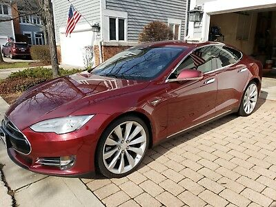 2012 Tesla Model S Signature Tesla Model S - Rare Signature Red color with Black interior
