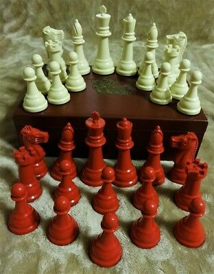 """RARE red & ivory vintage GALLANT KNIGHT chess set 1960 w/ 5"""" king used VGC"""