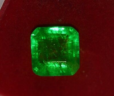 GGL certified Natural Green Emerald, 11.80 cts Emerald shape Zambian Gem