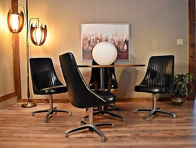 Mid-Century Chromcraft Decorables 1967 Selection Dining Table and Chair Set