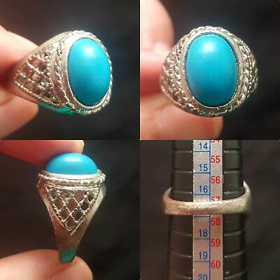 Lovely turquoise stone beautiful unique ring
