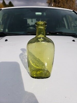 Very rare citron colored Whitney Glass Works 1/2 pint flask bottle, Nice!!!!