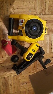 Dewalt DW074 Self Leveling Interior & Exterior Rotary Laser Level Kit