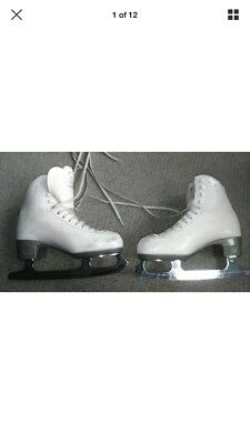 Risport RF4 ice skates size 245 which is a UK size 4