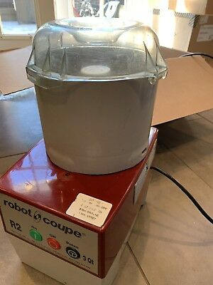Robot Coupe R2 Good Processor With Plastic Container  WORKS GREAT!!